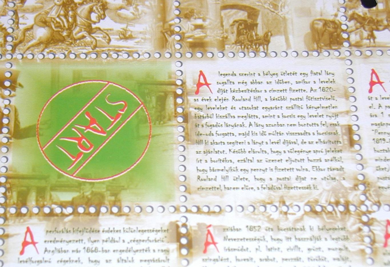 A társasjáték alaptábláján a bélyeg történelméről olvashatsz